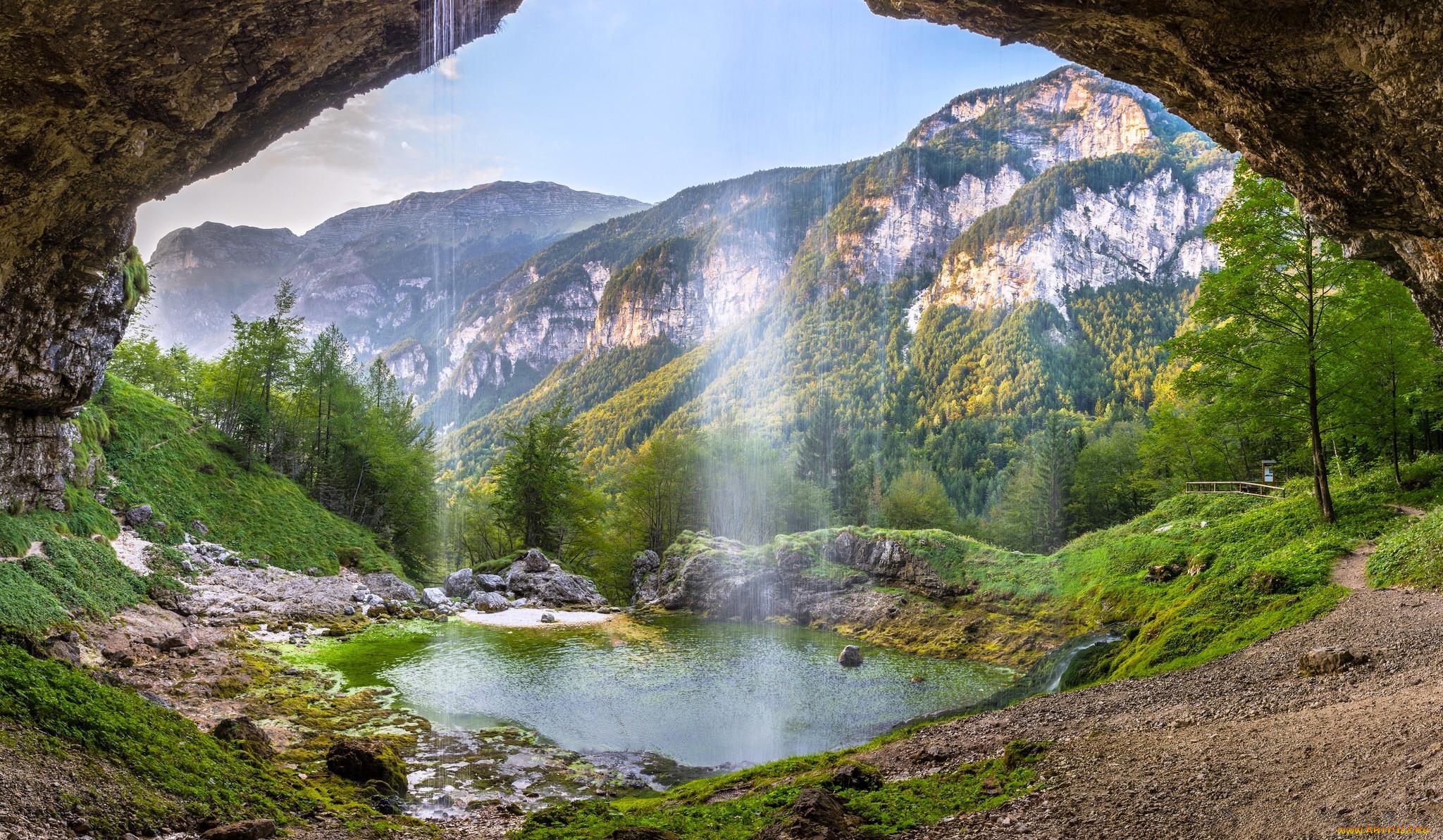 проект картинка на рабочий стол горы с водопадом может разрезать